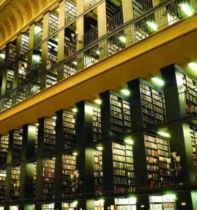 Estanterías de la Biblioteca Nacional de Brasil