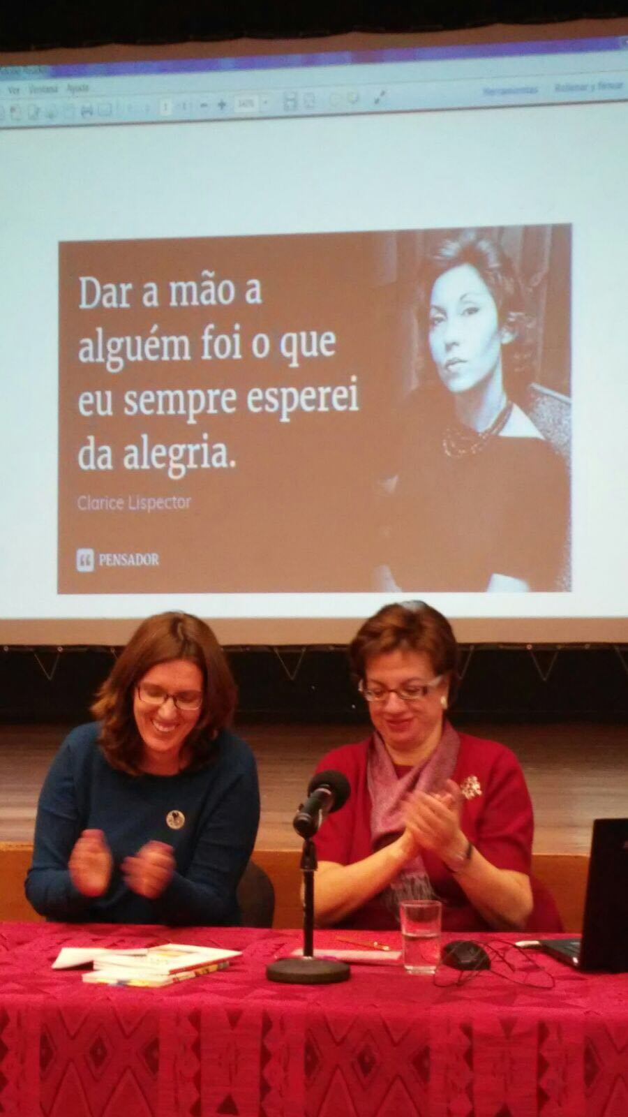 Dra. Sandra Cruz , titular de língua portuguesa na Escola Oficial de Idiomas, e Profa. Dra. Elena Losada